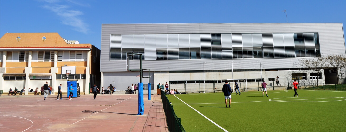 Anlage und Schulgebäude