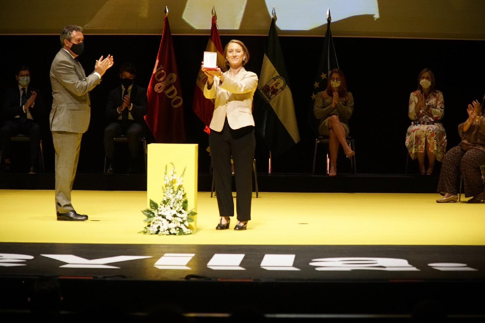 """Verdienstmedaille der Stadt Sevilla für die Deutsche Schule Sevilla """"Albrecht Dürer"""""""