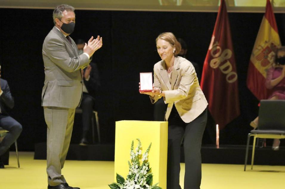 https://colegioalemansevilla.com/de/files/gallery/thumb/1622805976-entrega-medallas-59-_xoptimizadax.jpeg