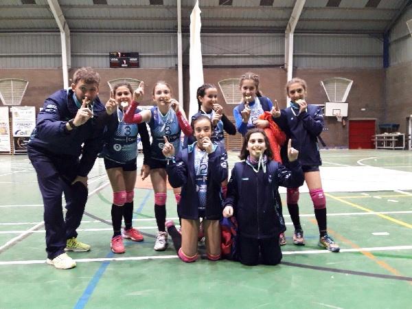 Nuestro equipo de Voleibol Alevín Femenino Federado, campeones de Sevilla y provincia