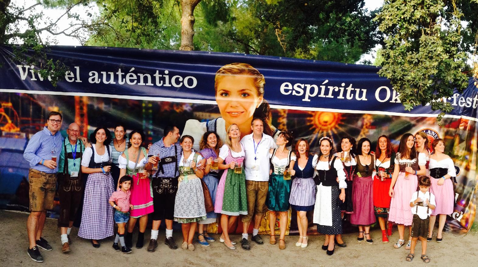 """Buena acogida del primer """"Oktoberfest"""" del forum Sevilla"""