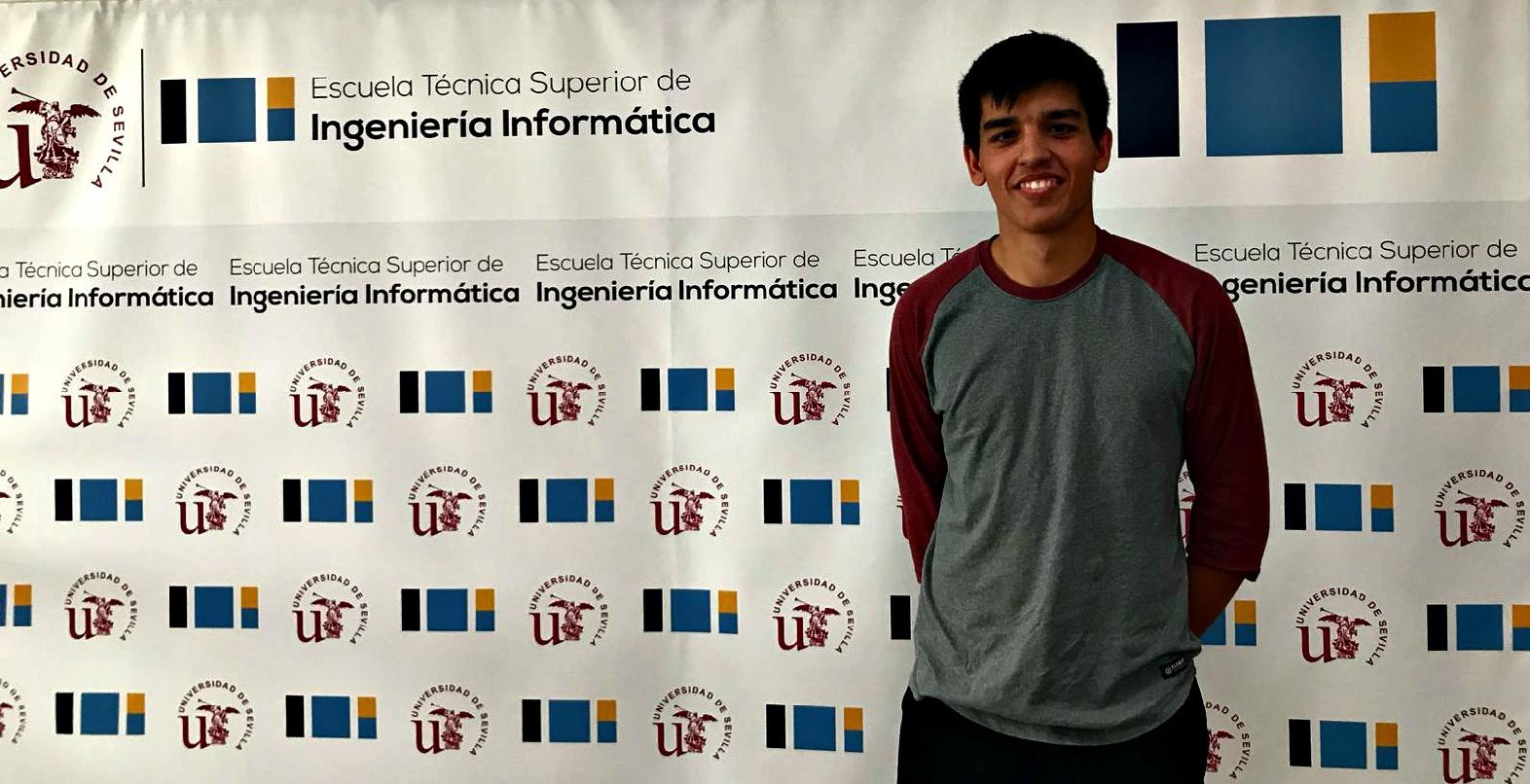 JAVIER BOSCH CARRACEDO MEDALLA DE PLATA EN LA  II OLIMPIADA INFORMÁTICA DE LA US