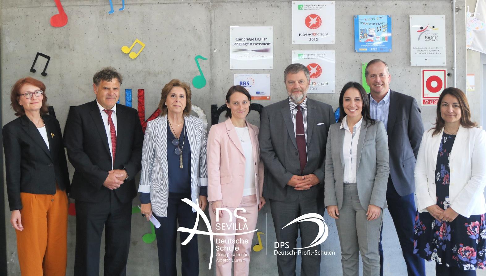 El Embajador de la República Federal de Alemania en España Sr Wolfgang Dold en el Colegio Alemán Sevilla.
